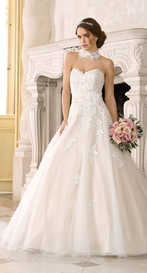 Betaalbare Bruidsjurken.Wedding Wonderland Trouwjurken Bruidsjurken Bruidsmode