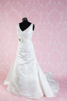 Sincerity Bridal 113b