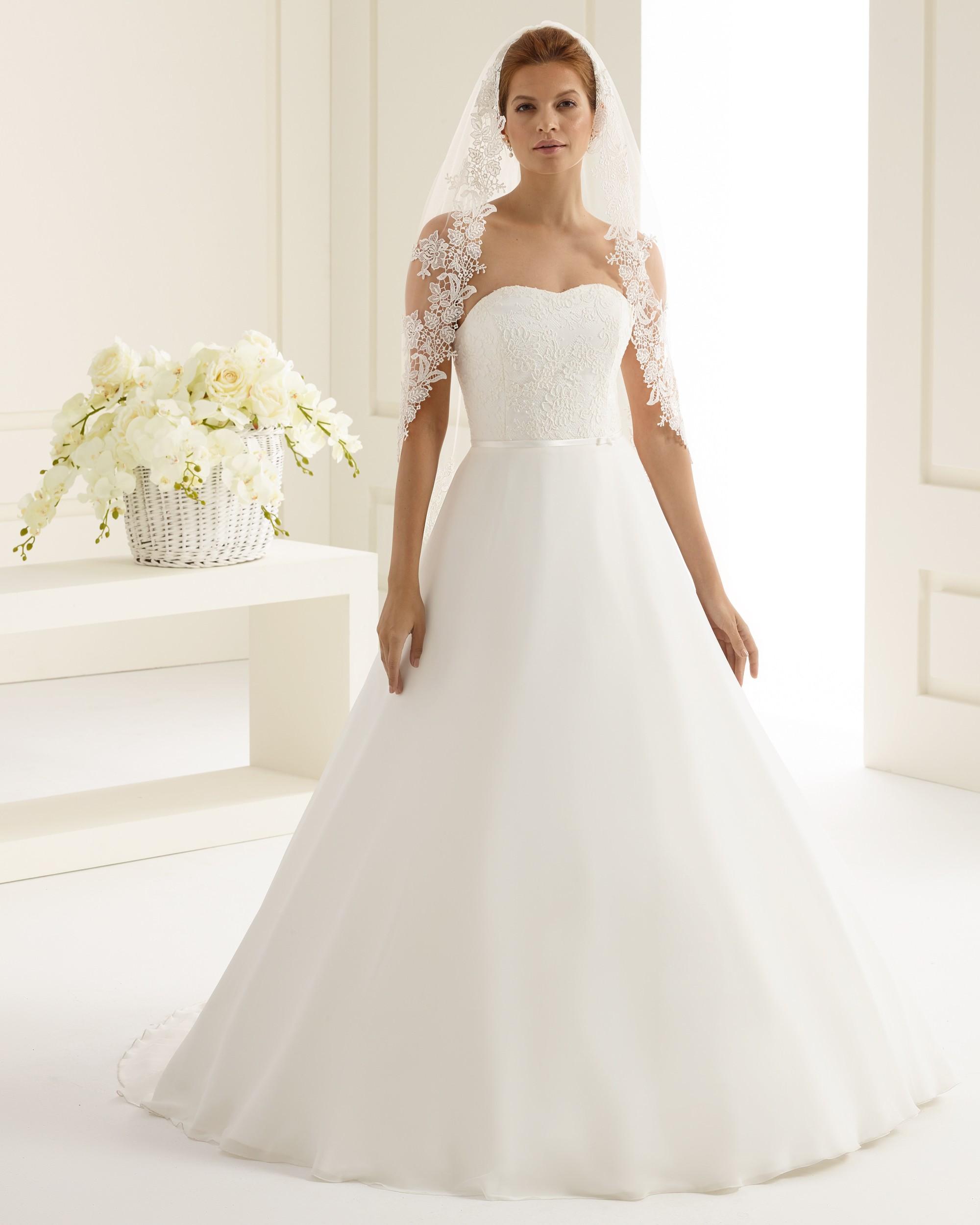 bianco evento s202 wedding wonderland. Black Bedroom Furniture Sets. Home Design Ideas