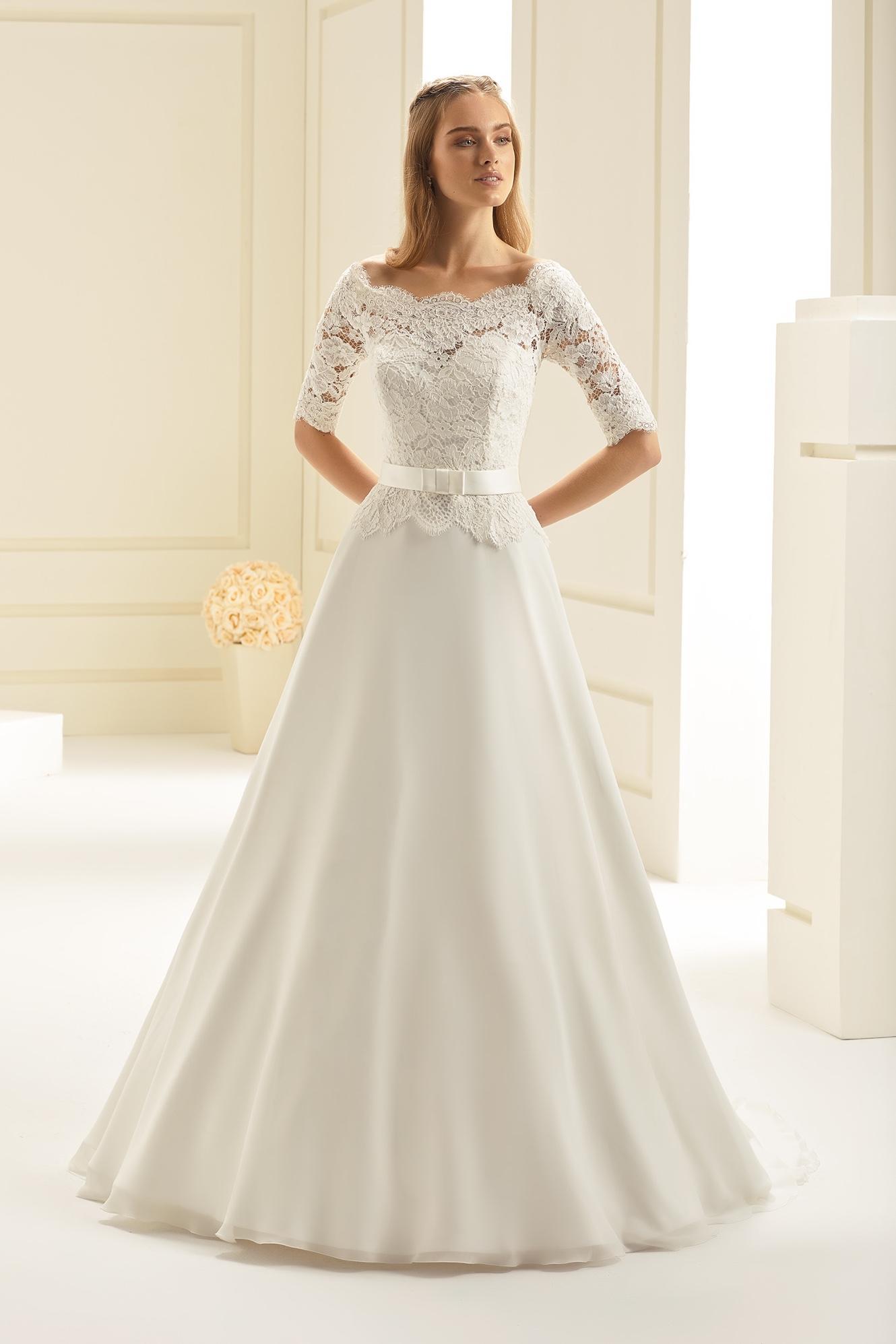 Bruidsjurken Tot 500 Euro.Trouwjurk Van De Maand Wedding Wonderland