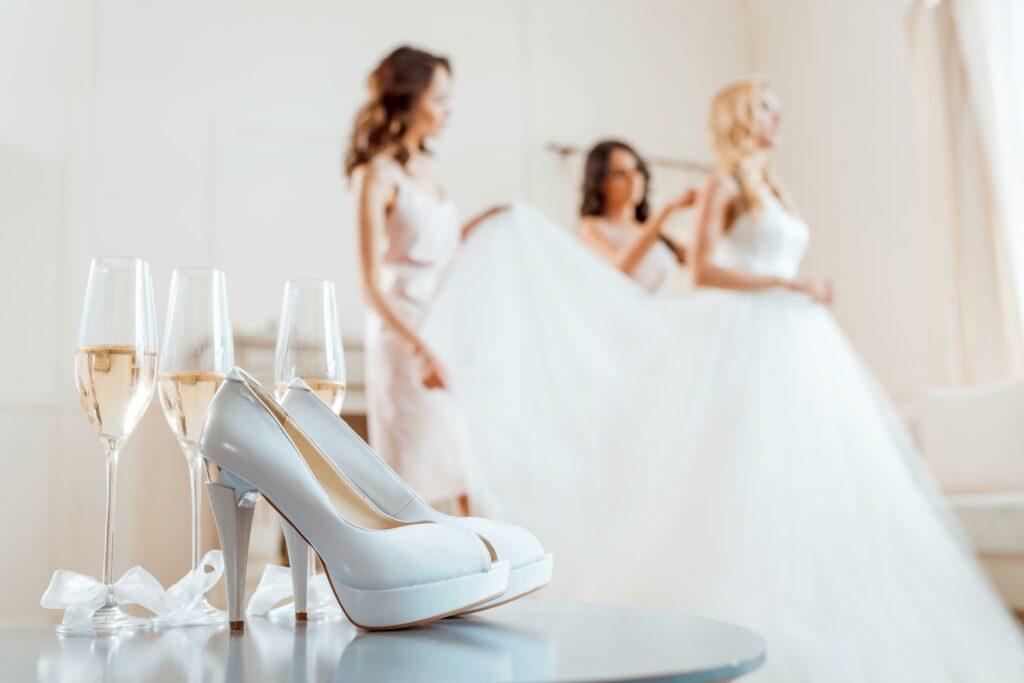 Trouwjurk Passen Voor De Lol Zonder Te Trouwen Wedding